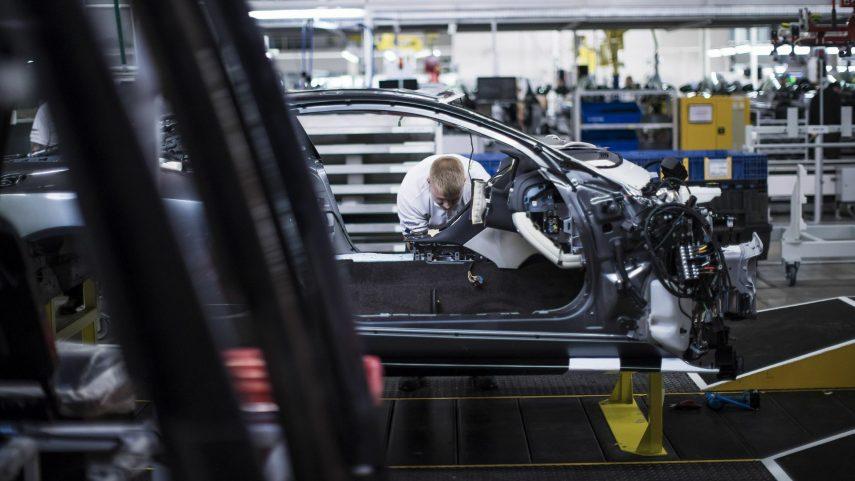 30 Aston Martin fabrica