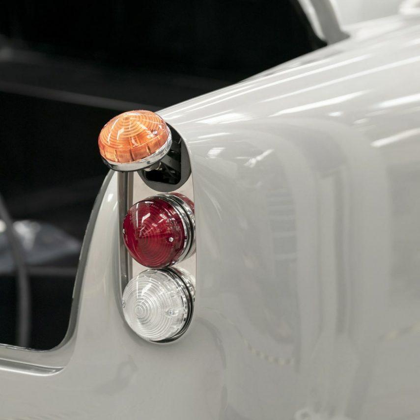 36 Aston Martin DB5 Goldfinger