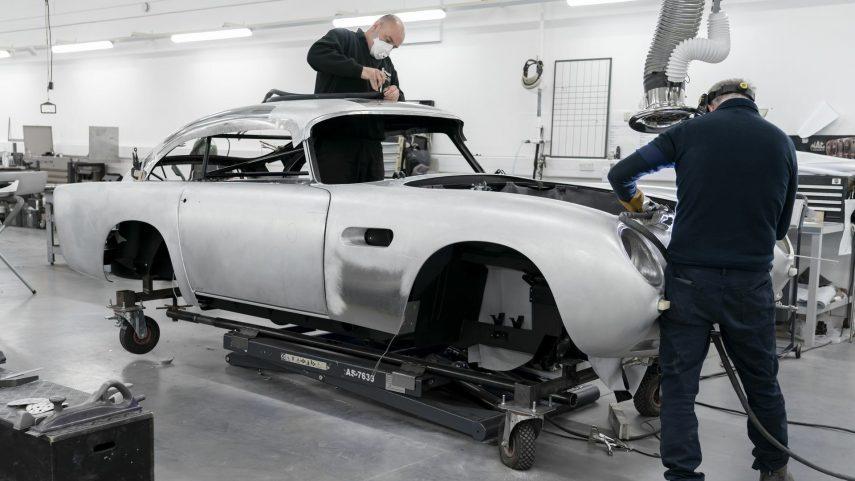 37 Aston Martin DB5 Goldfinger