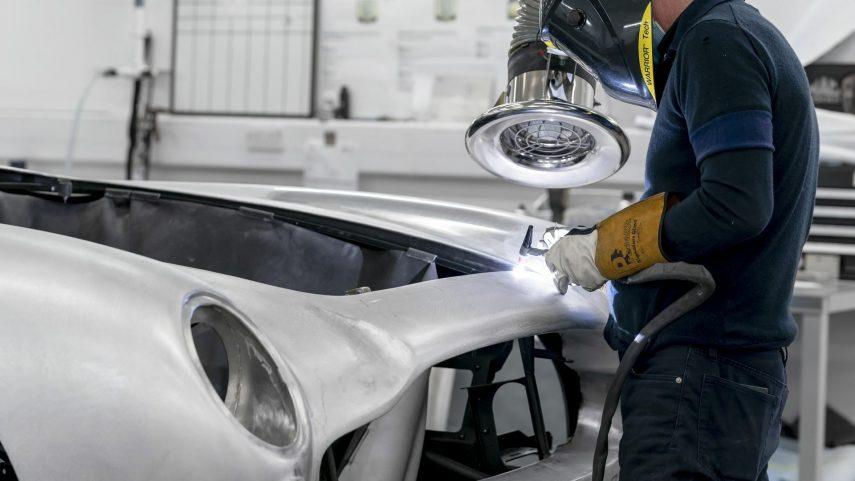 39 Aston Martin DB5 Goldfinger