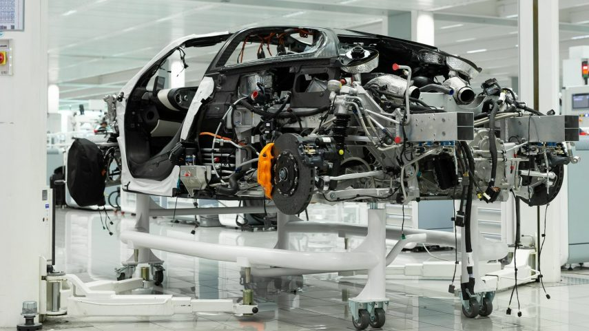 50 McLarens hybrid Hyper GT