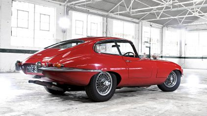 Jaguar E Type MkI 3