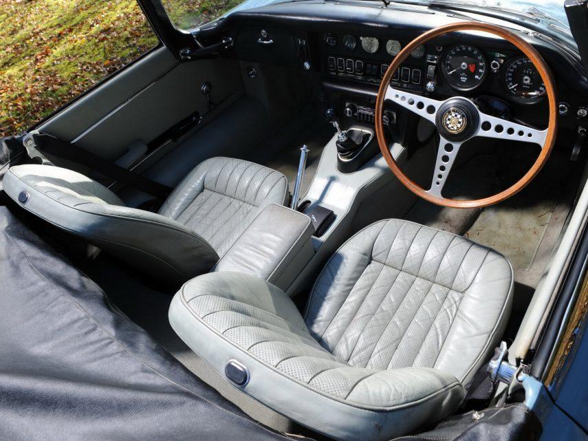 Jaguar E Type Roadster MkII 3