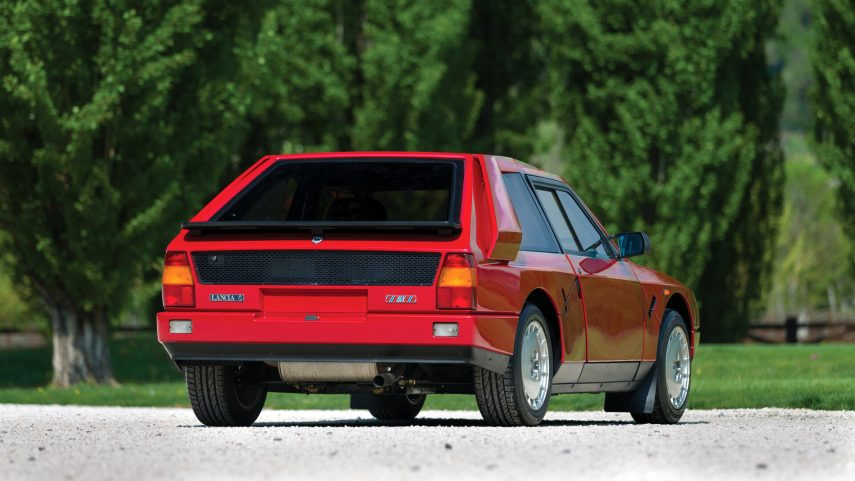 Lancia Delta S4 Stradale 6