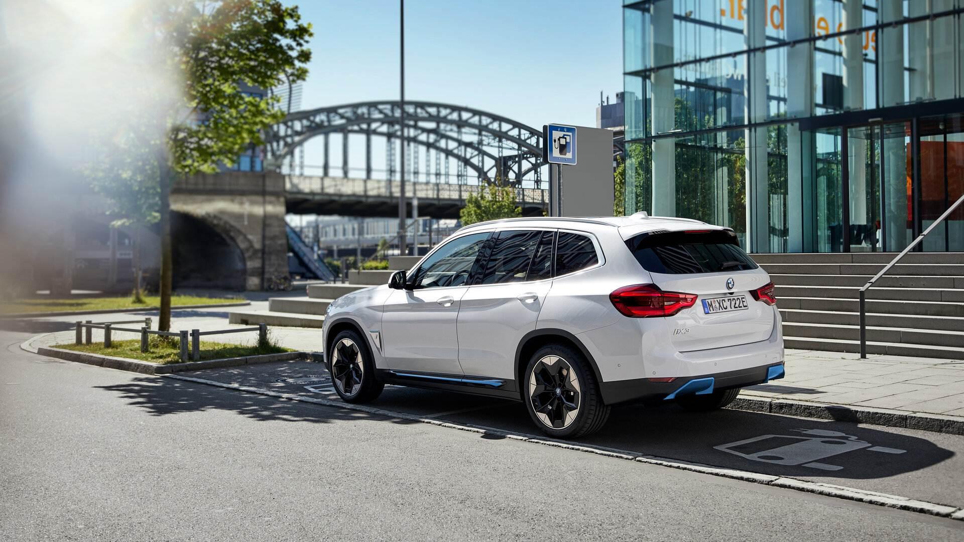 BMW iX3 2021 14