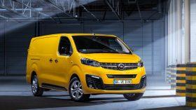 Opel Vivaro e 2020 01