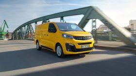 Opel Vivaro e 2020 04