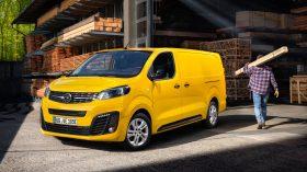 Opel Vivaro e 2020 08