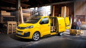 Opel Vivaro e 2020 09