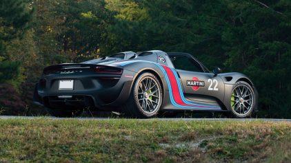 Porsche 918 Spyder Weissach Package 2