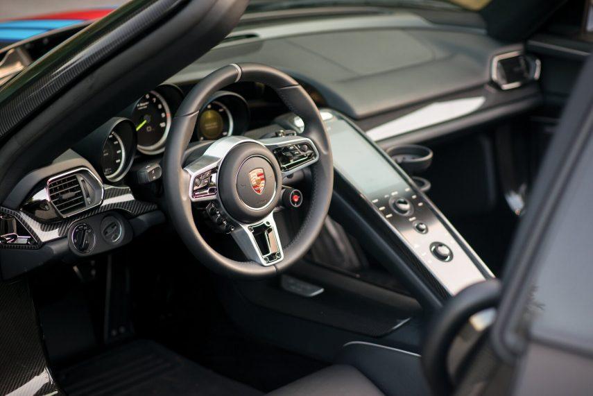 Porsche 918 Spyder Weissach Package 3