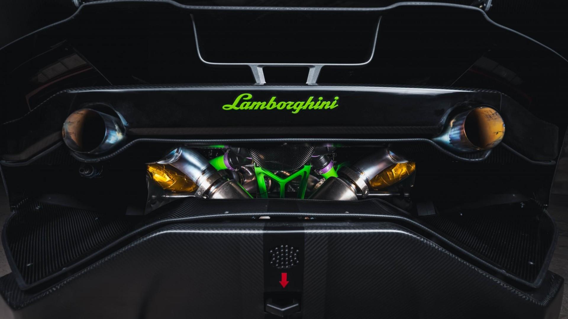 """Lamborghini no está a la venta, punto final"""