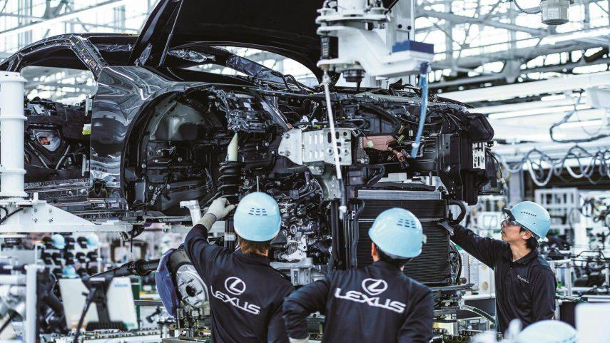 06 Lexus fabrica