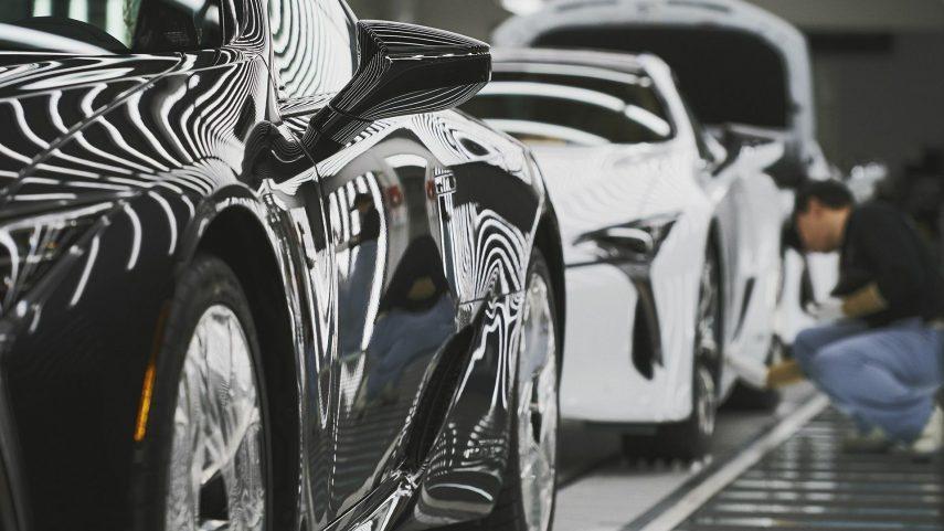 16 Lexus tunel de luz