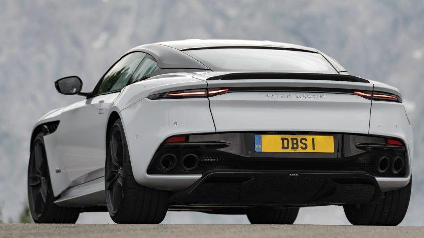19 Aston Martin DBS Superleggera