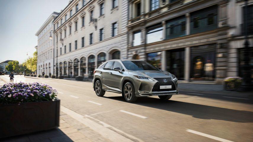 El Lexus RX se actualiza levemente de cara a 2021