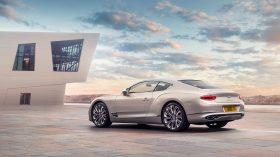 Bentley Continental GT Mulliner 2020 (2)