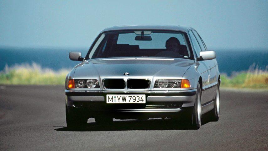 Coche del día: BMW Serie 7 (E38)
