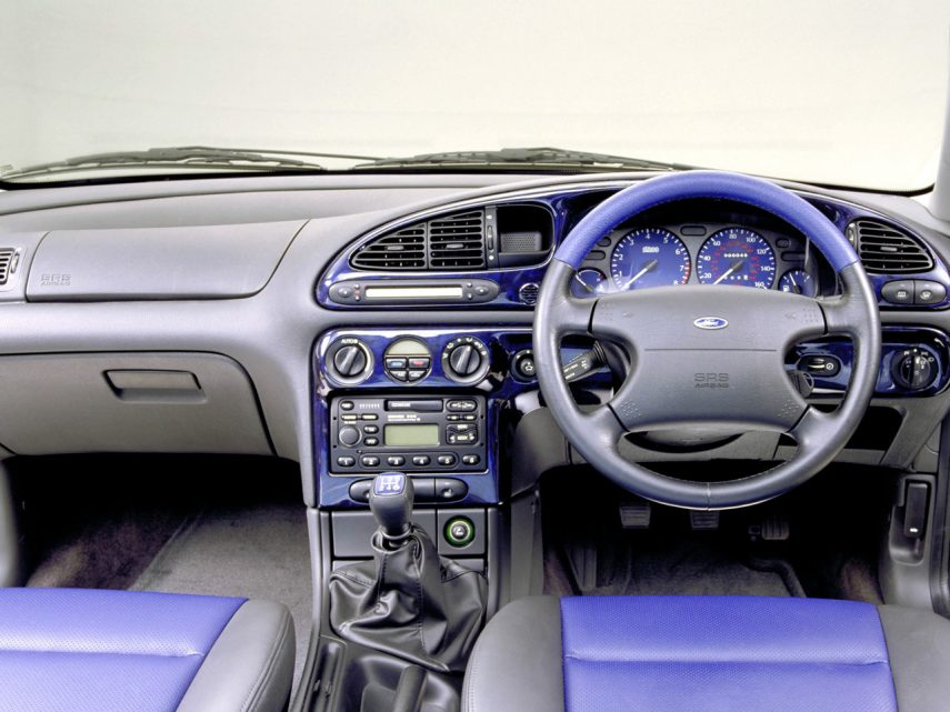 Ford Mondeo ST200 interior