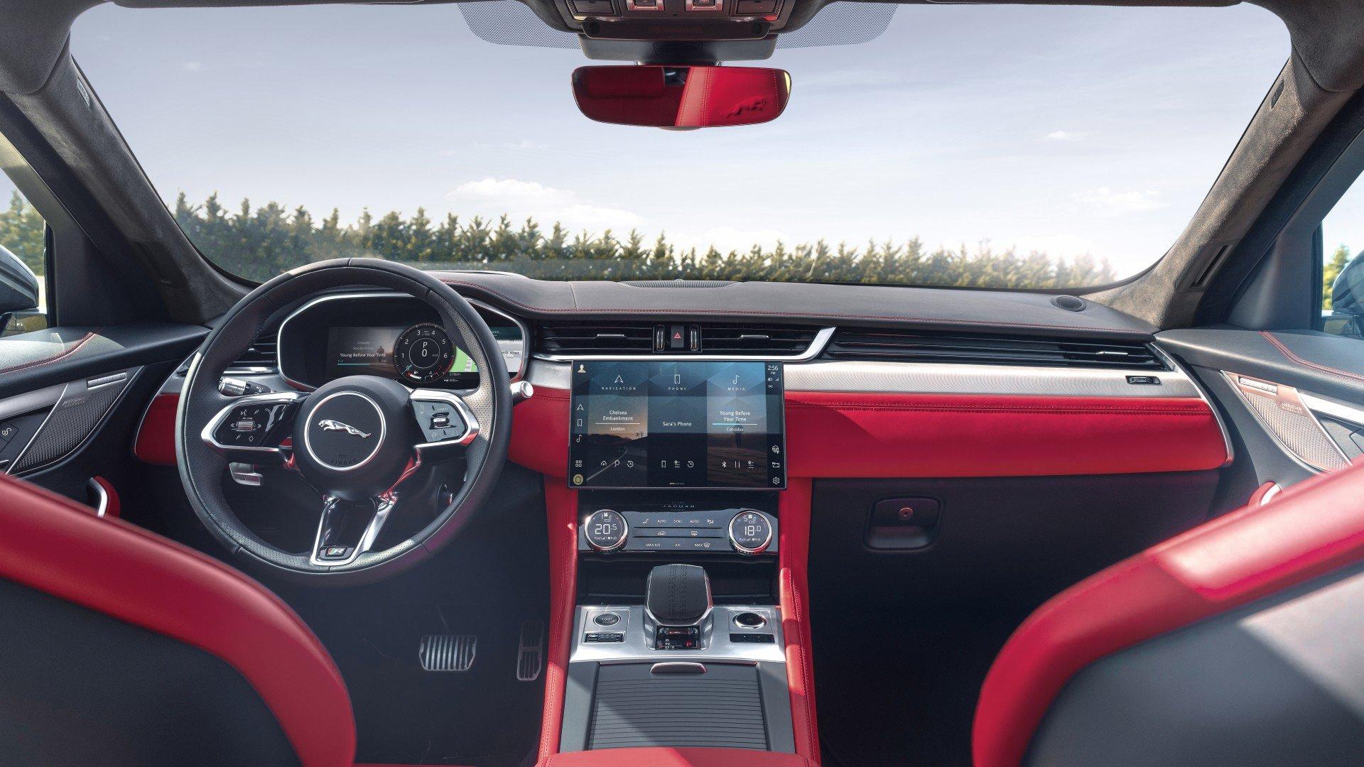 Jaguar F Pace 2021 (63)