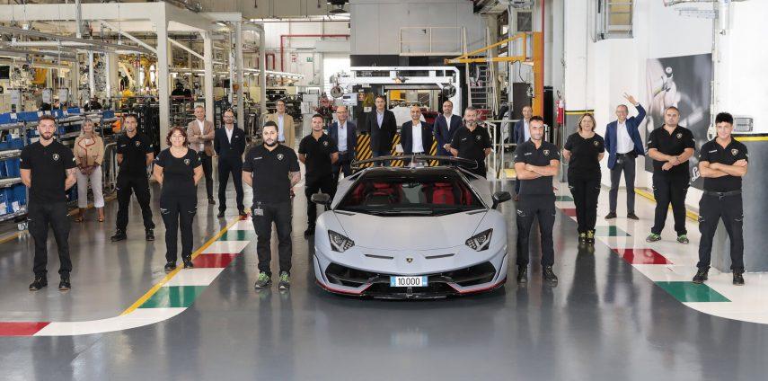 Lamborghini celebra los 10.000 Aventador fabricados en menos de 10 años