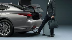 Lexus LS 2021 (32)