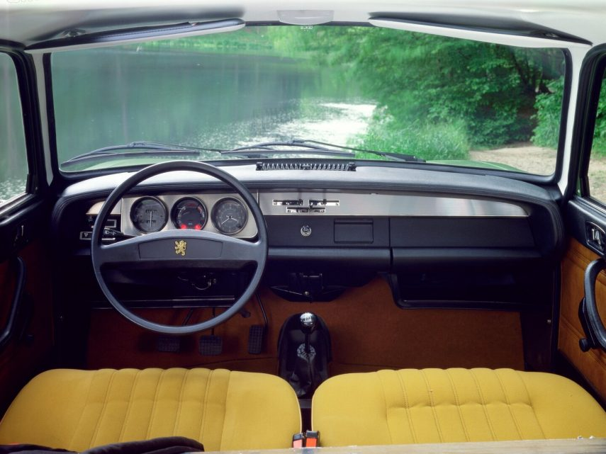 Peugeot 304 Coupe interior