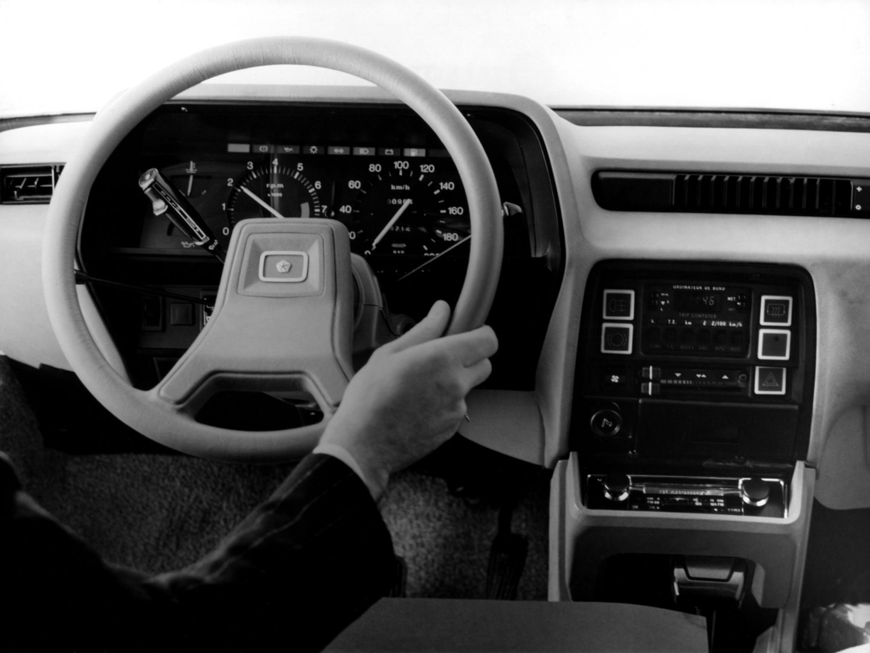 Chrysler 150 SX 2
