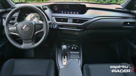 Contacto Lexus UX 300e 12