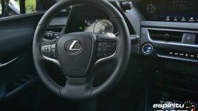 Contacto Lexus UX 300e 13