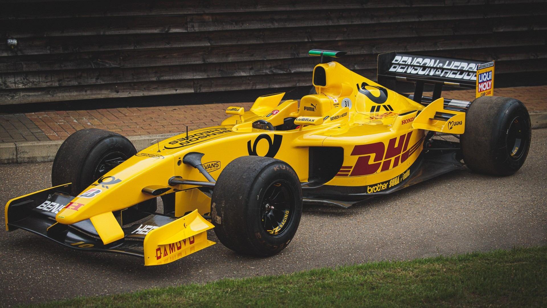 Si querías un Jordan EJ12 de fórmula 1, lamentamos decir que había uno en venta