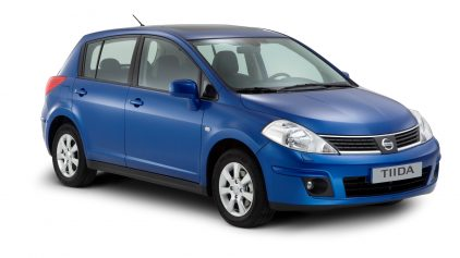 Nissan Tiida hatchback C11 5