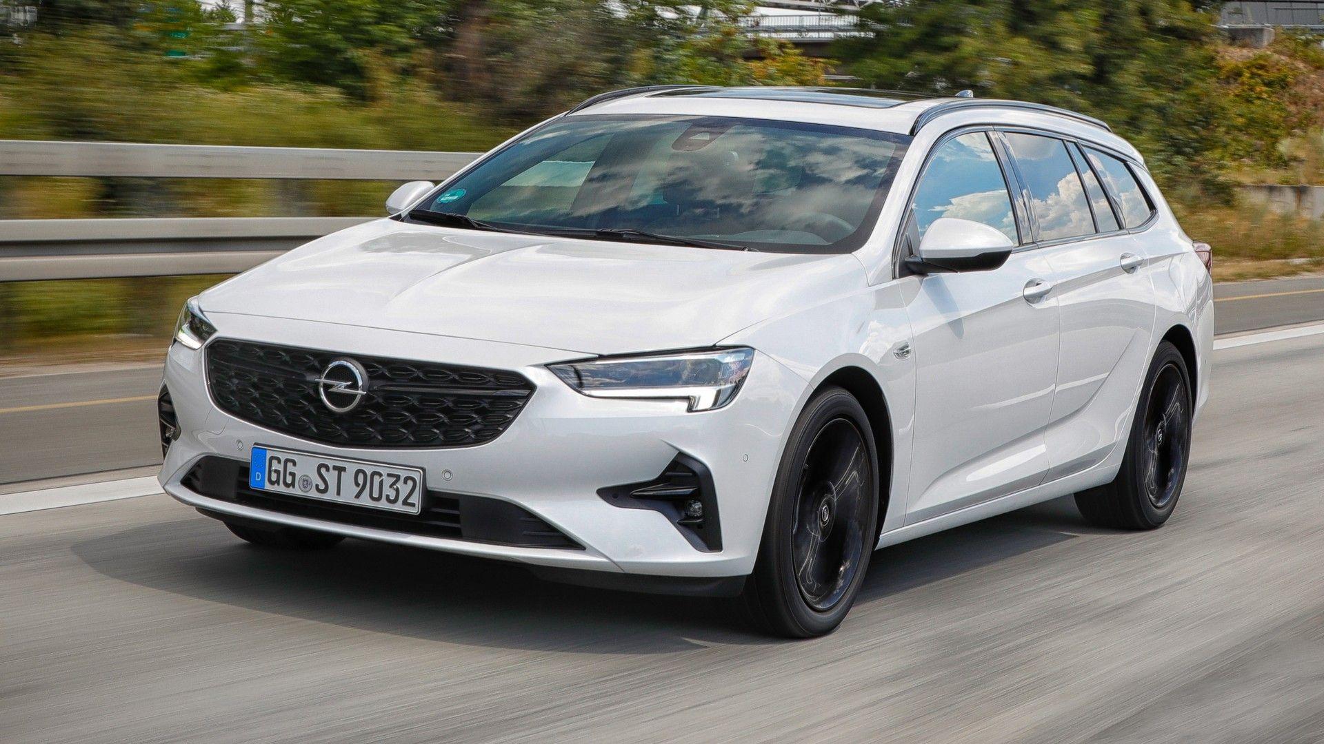 El Opel Insignia acoge dos nuevas opciones mecánicas