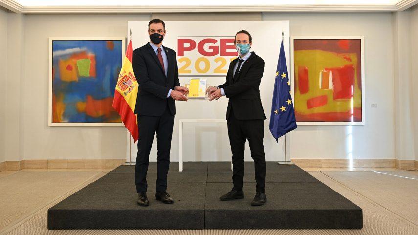 PGE 2021: el gasóleo subirá 0,038 euros/litro y los seguros un 2 %