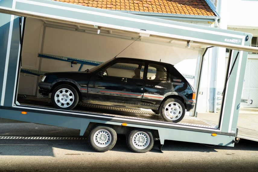Así se restaura un viejo Peugeot 205 GTi