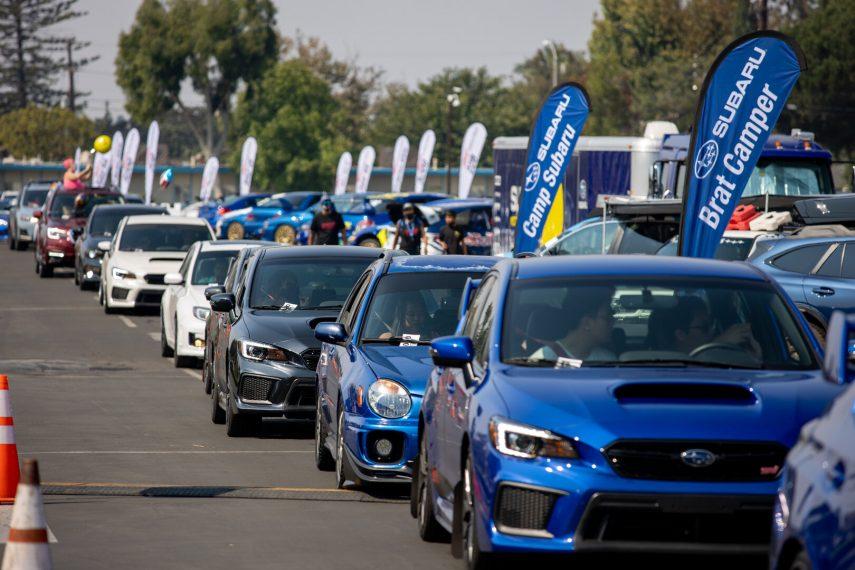 Subaru rompe un récord Guinness al reunir 1.751 de sus coches en California