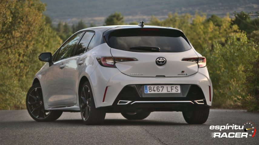 Toyota Corolla 180h GR Sport 06