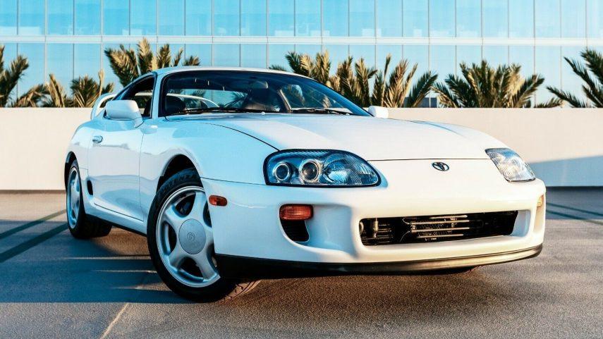 Alguien quiere casi 150.000 euros por este Toyota Supra Twin-Turbo de 1994