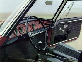 Volkswagen Karmann Ghia 8