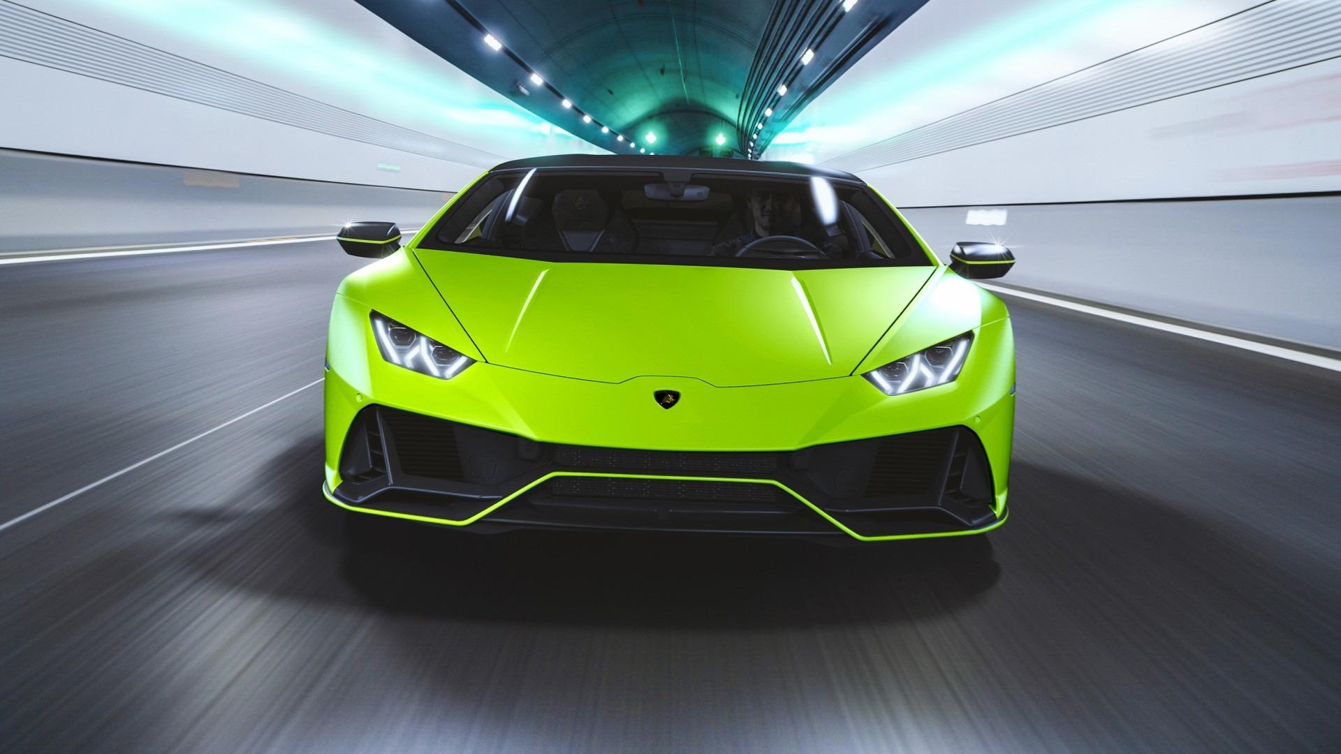 El Lamborghini Huracán EVO Fluo Capsule llama la atención más de lo normal