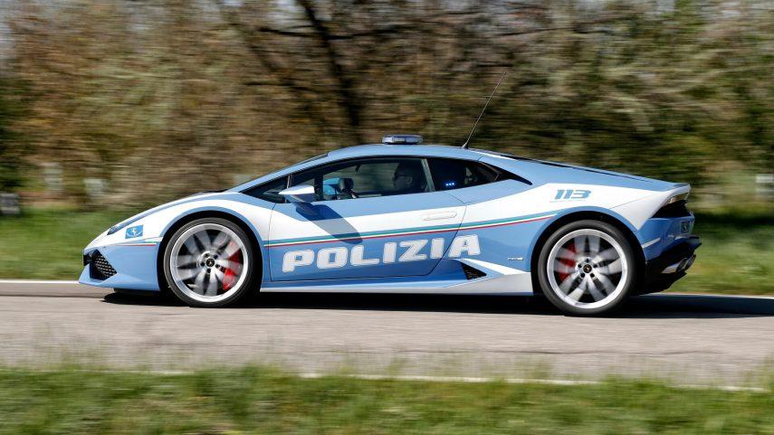 Un Lamborghini Huracán de la policía italiana fue clave en un trasplante de riñón