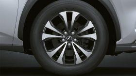 Lexus NX 300h 2021 (7)