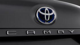 Toyota Camry Hybrid 2021 (15)