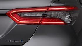 Toyota Camry Hybrid 2021 (16)