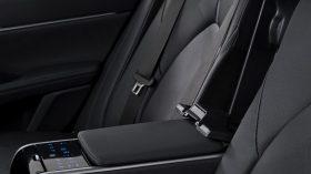 Toyota Camry Hybrid 2021 (24)