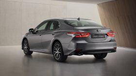 Toyota Camry Hybrid 2021 (4)
