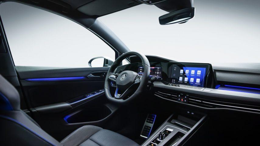 Volkswagen Golf R 2021 (11)