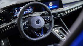 Volkswagen Golf R 2021 (12)
