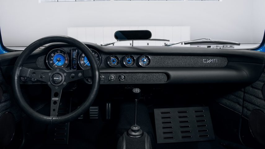 Volvo P1800 Cyan Interior (5)