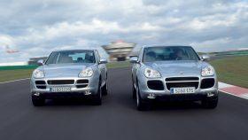 03 Porsche Cayenne S y Cayenne Turbo 2002